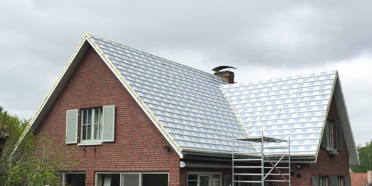 hellend dak isoleren buiten
